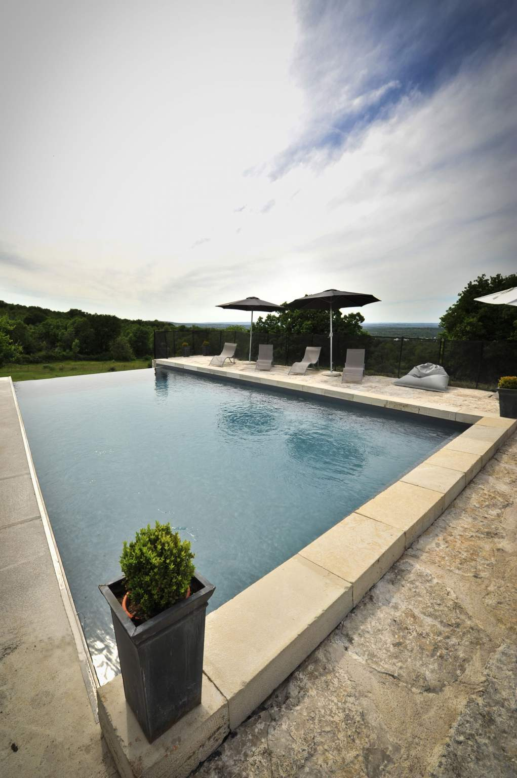 Treehouse and cottage with swimming pool - Rocamadour